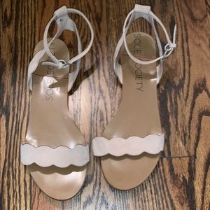 Sole Society neutral flat sandals